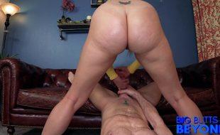 Sexo anal gostoso com loira de bunda grande
