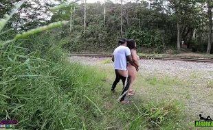 Flagra de sexo no mato com brasileira safada